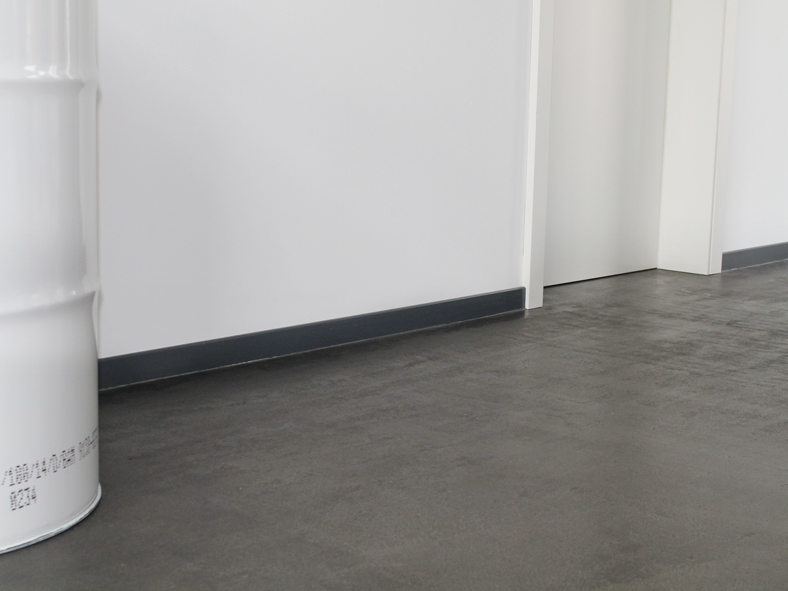 estrich und bodenbelagsarbeiten sichtestrich geschliffen und pu versiegelt bodenbau klinkel. Black Bedroom Furniture Sets. Home Design Ideas
