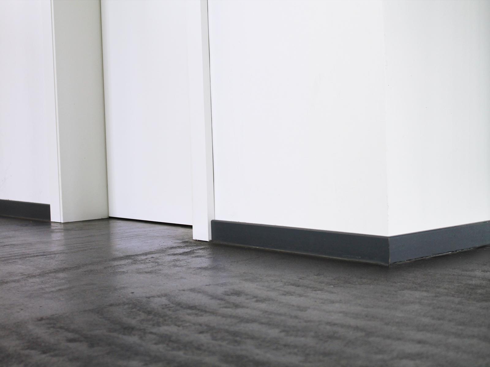 estrich geschliffen und versiegelt estrich geschliffen und versiegelt jlich eiche eingefrbt. Black Bedroom Furniture Sets. Home Design Ideas
